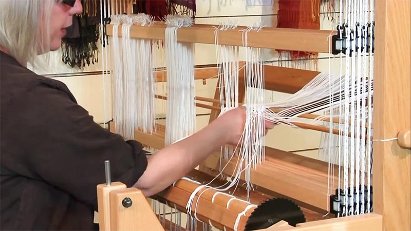 dressing-loom