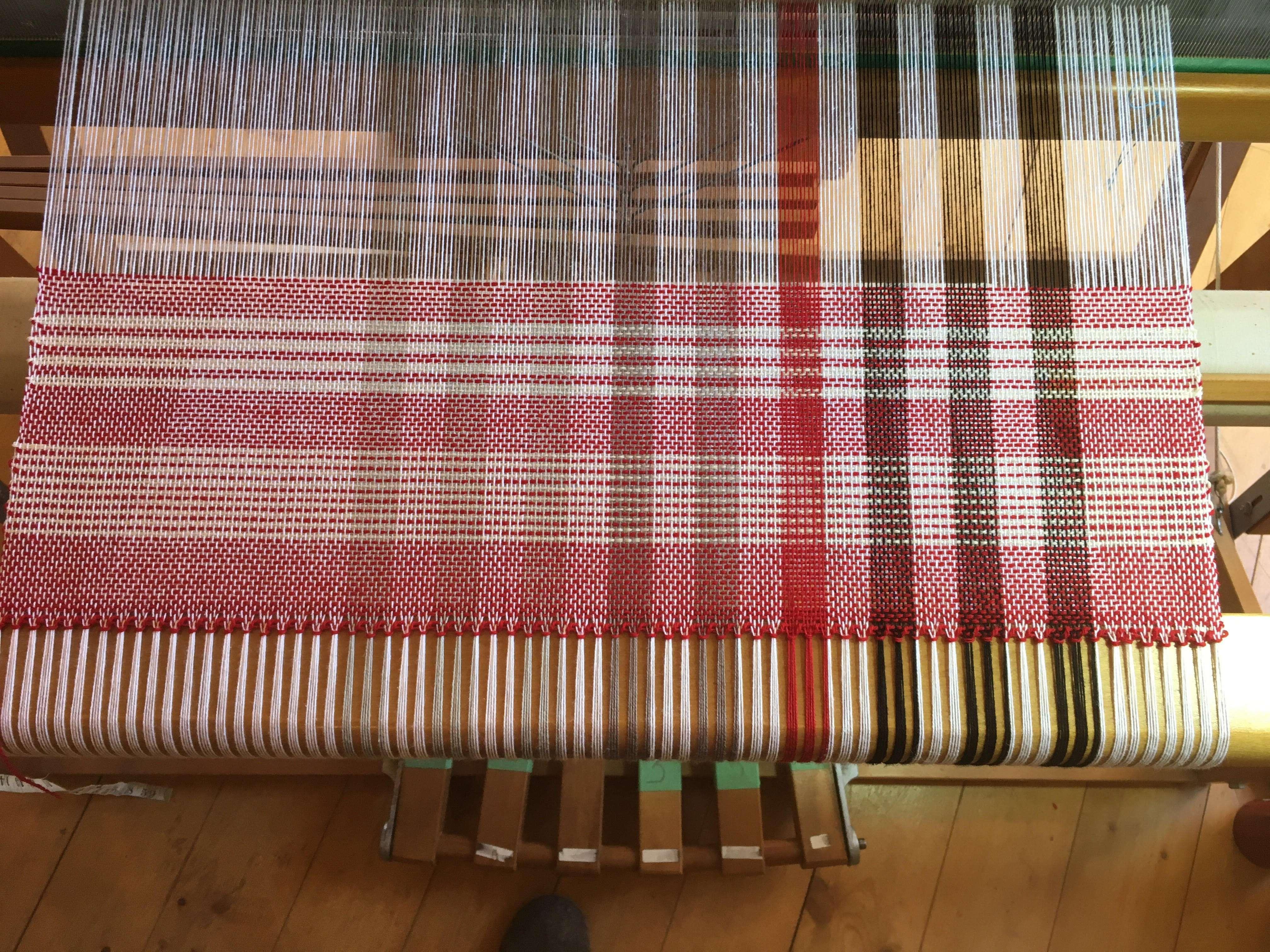 2 8 Cotton Warp 12 epi Harrisville shetland Weft 11 ppi